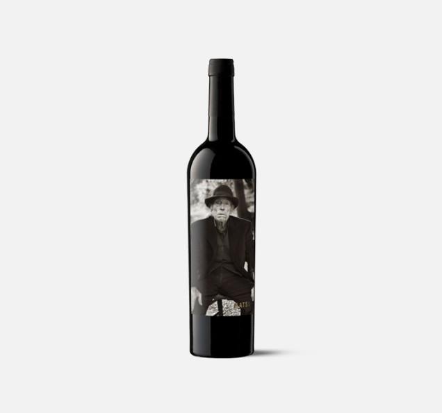hiszpańskie wino, butelka, ciekawa etykieta, etykieta na wino, zdjęcie na etykiecie, zdjęcie na butelce